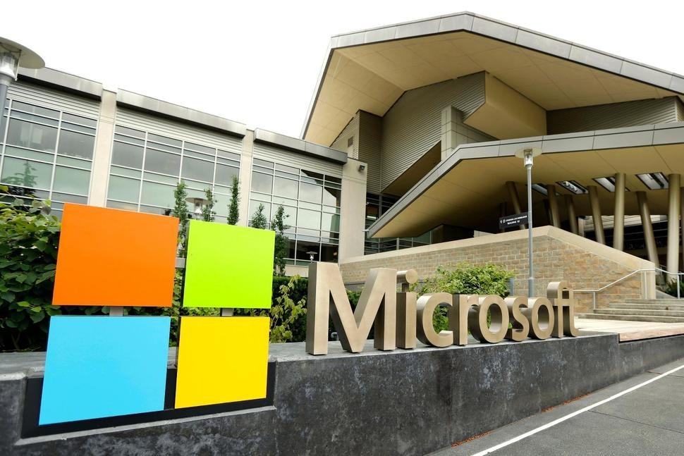 Microsoft to Start Bringing Workers Back to Headquarters